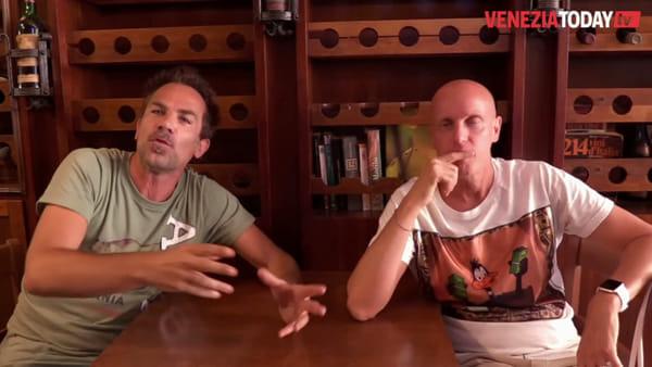 La comicità di Carlo & Giorgio direttamente a casa degli spettatori | VIDEO