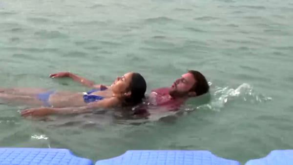L'esercitazione di salvataggio sulla spiaggia di Caorle | VIDEO