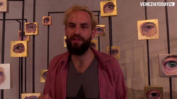 Gli occhi di amici e parenti in mostra: Kopp espone le sue opere a Palazzo Grimani | VIDEO