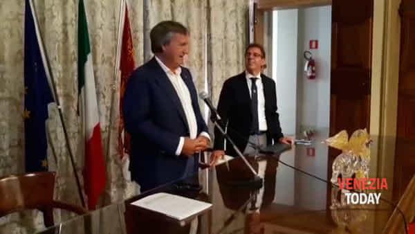 Niente fuochi al Redentore: l'annuncio del sindaco | VIDEO