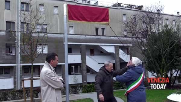 Il cuore del quartiere Pertini da oggi si chiama Piazzetta Alda Merini | VIDEO