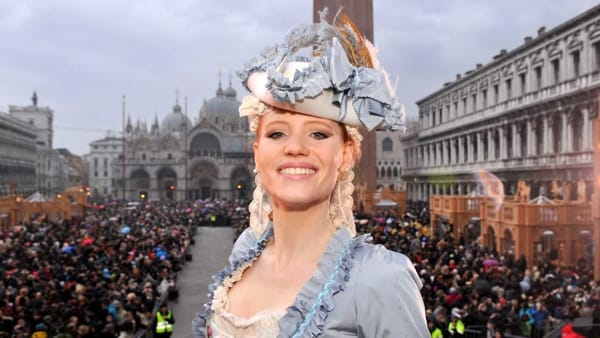 Il volo dell'angelo al Carnevale 2017: l'apertura dei festeggiamenti in Piazza San Marco