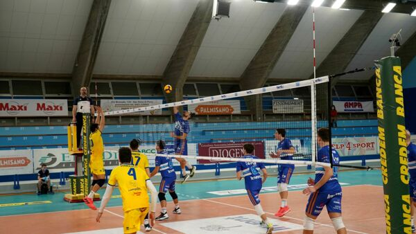 Volley A3, sfida al tie-break tra Volley Team Club e Portomaggiore: 2-3 il finale