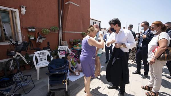 La visita del premier Conte a Pellestrina | VIDEO