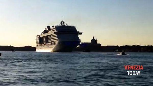 Arriva la Msc Fantasia, la più grande nave da crociera di tutte VD