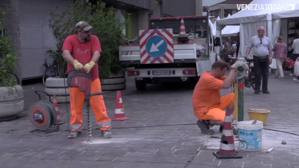 Iniziata la demolizione del mercato di Mestre, presto la nuova copertura in legno
