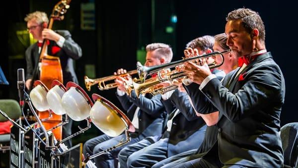 La Glenn Miller Orchestra in tour al teatro Toniolo di Mestre