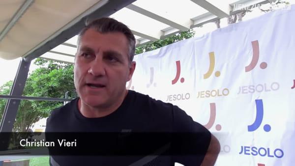 Christian Vieri porta a Jesolo tanti campioni per il suo torneo di footvolley | VIDEO