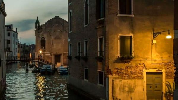 """Fantasmi di Venezia: passeggiate serali in laguna, tra miti e leggende """"paurose"""""""