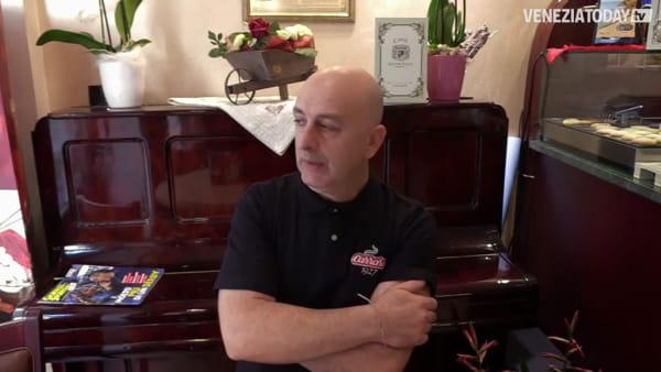 Il commercio a Mestre è vivo: intervista a Domenico, che ha riaperto uno dei bar della piazza | VIDEO