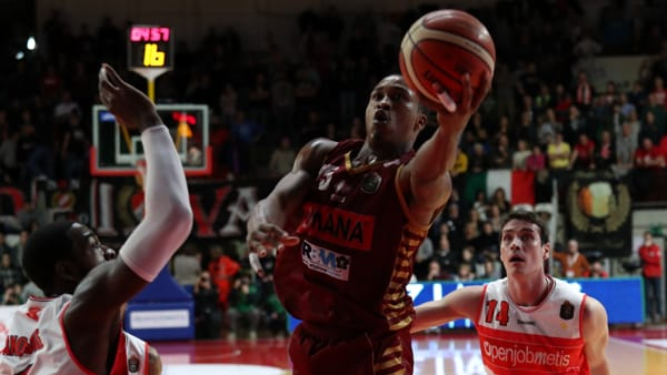 La Reyer non frena, batte Varese e finisce il 2016 al secondo posto in classifica
