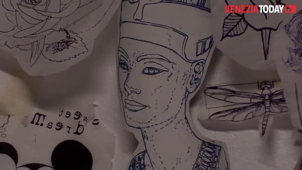 Come torna al lavoro un tatuatore dopo la fine del lockdown | VIDEO