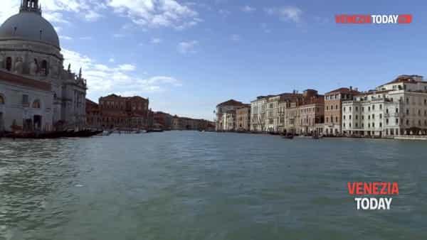 La città si rialza: le speranze e la solidarietà | VIDEO