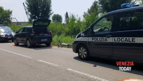 Incidente a Marghera, muore un ciclista