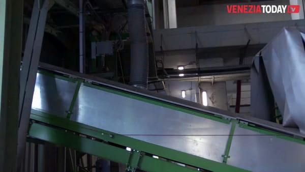 Termovalorizzatore, il forno da 27,9 megawatt. Veritas: «Tonnellate di rifiuti qui non ci entrano» VIDEO