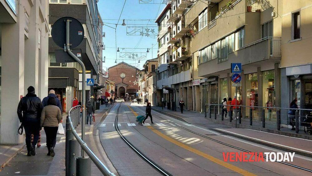 Visite in casa a parenti e amici: le regole per il Veneto a partire da domani