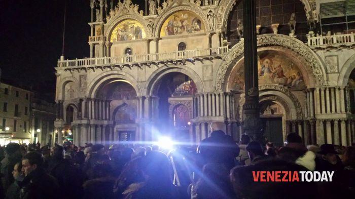 In migliaia a San Marco per Valeria Solesin