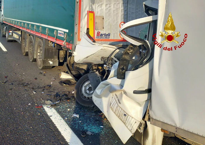 Doppio incidente in A4, l'intervento dei soccorsi